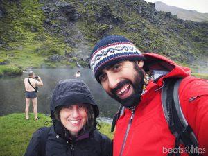 Baños naturales hot springs Trekking Landmannalaugar Montañas colores Mapa Islandia