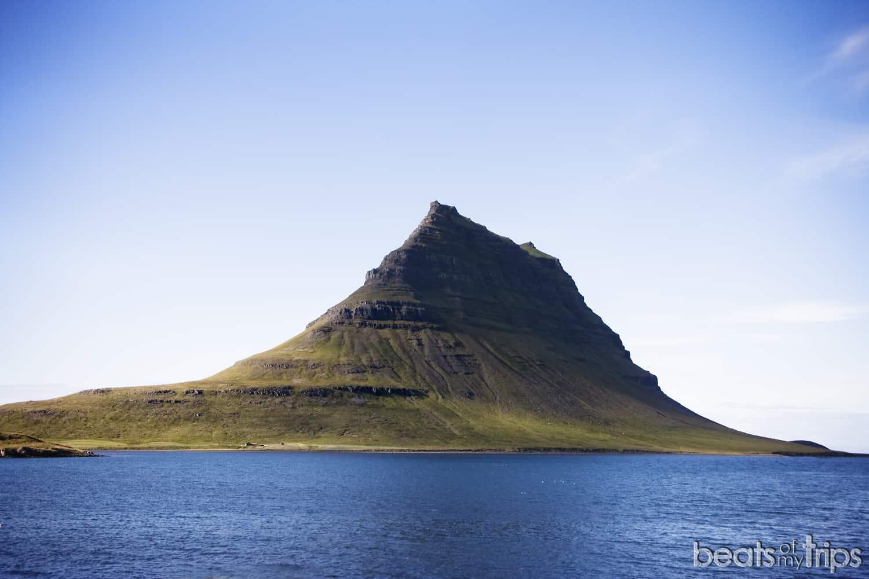Islandia Kirkjufell Islandia montaña iglesia glaciar Snafellsjokull volcán peninsula Snaefellnes Parque nacional península Snæfellsnes Islandia viajar por libre blog viajes