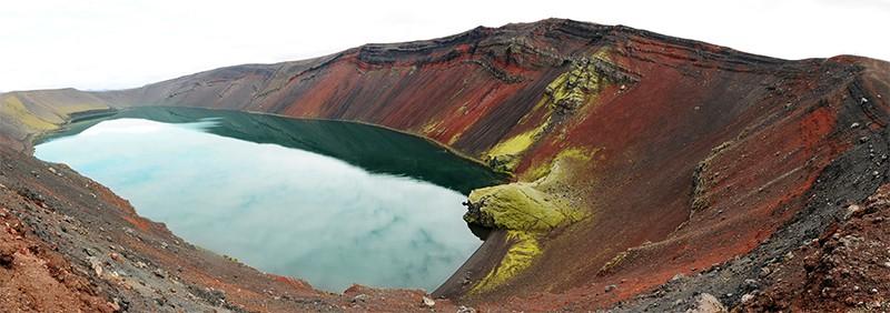 Lago Ljótipollur Fjallabak Landmannalaugar Islandia Tierras altas