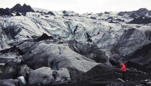 Islandia 3. Sur de Islandia. De la belleza de Skógafoss a tocar el glaciar Sólheimajökull
