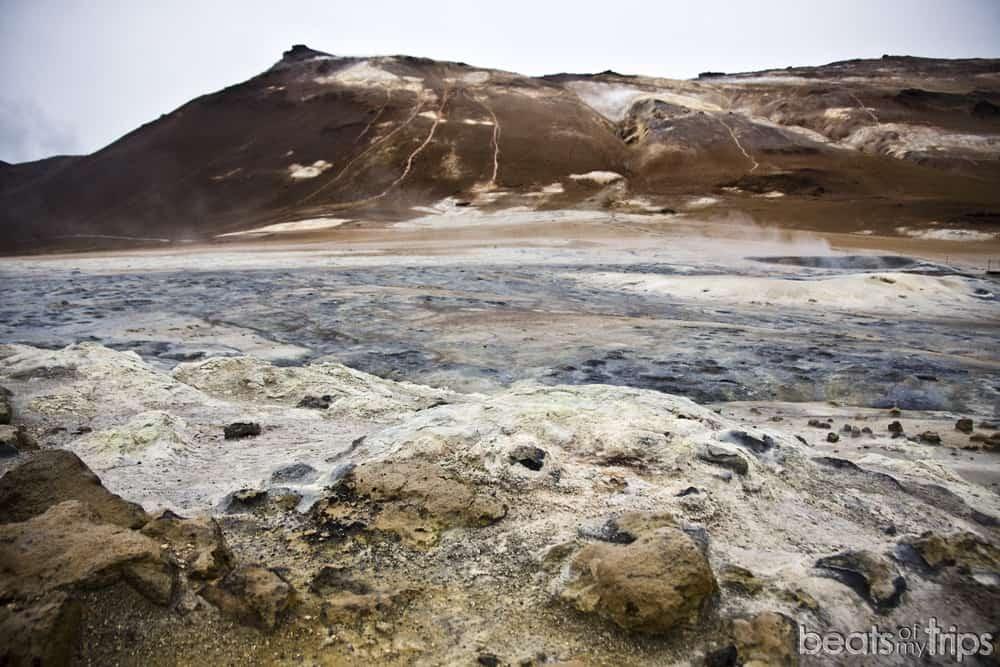 Islandia que ver montaña Namafjall zona geotérmica Hverir fumarolas myvatn