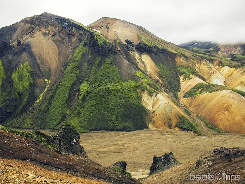 Alquiler coche Islandia Comañias alquiler Islandia Alquilar todoterreno turismo Vondugil Trekking Landmannalaugar Montañas colores Mapa Islandia