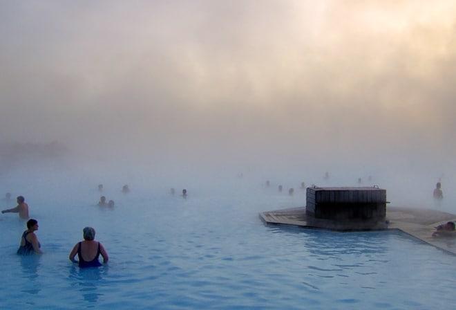 Blue Lagoon Islandia baños geotermales naturales Guía Islandia