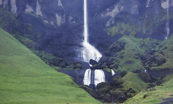 Foss á Siðu Cascada Ring Road sur Islandia Cañón Fjardrárgljúfur que ver Islandia 8 días