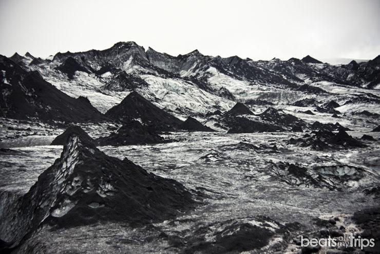Glaciar negro Solheimajokull qué ver sur Islandia 4 días 8 días
