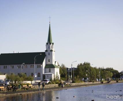 Reikiavik Islandia Lago Tjornin Reykjavík Reikiavyk viajar a Islandia por libre Islandia por tu cuenta