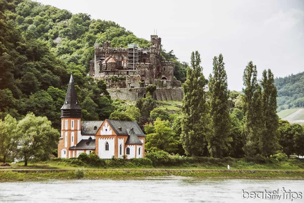 Castillo Reichenstein Burg Clemenskapelle Capilla Románica San Clemente Crucero Rin Romántico Turismo Alemania