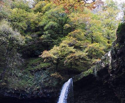 PN brecon beacons Parque natural waterfall country Brecon cascadas ruta actividades aventura brecon beacons Gales barranquismo