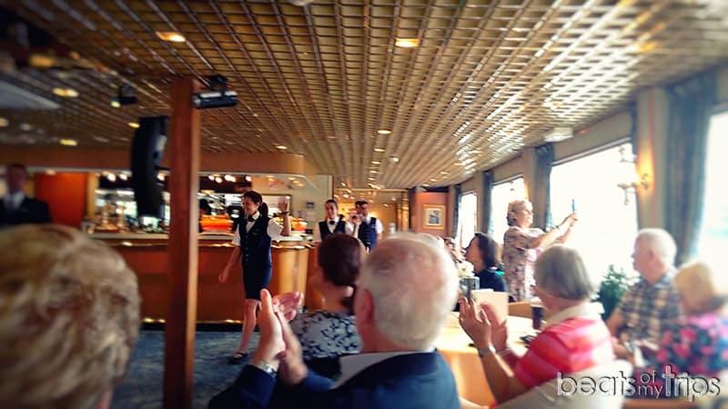 crucero tripulacion show cruise como es un crucero fluvial barco Rin