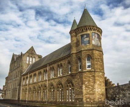 Antigua Universidad Aberystwyth playa viajar Gales Turismo Wales