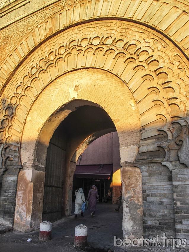 Muralla Marrakech puerta bab Agnaou donde comer que ver escapada Marrakech