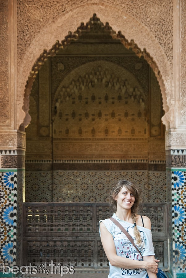 Tumbas Saadies sala tres nichos Marrakech que ver escapada Marrakech