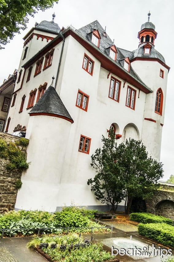 Viaje Coblenza que ver turismo Alte Burg Antiguo Castilo Koblenz río Rin Romántico desembocadura Mosela Alemania