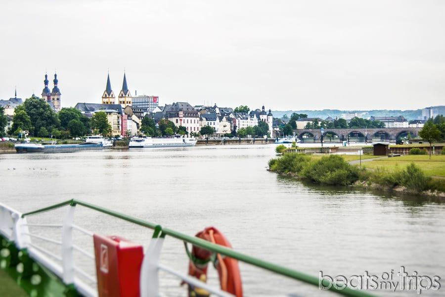 Que ver Coblenza vistas en barco turismo Alemania Koblenz barco río Rin desembocadura Mosela crucero