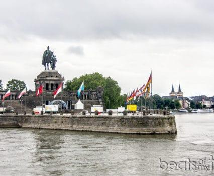 Que ver Coblenza Rincon Aleman Deutsches Eck turismo Alemania Koblenz barco río Rin desembocadura Mosela crucero