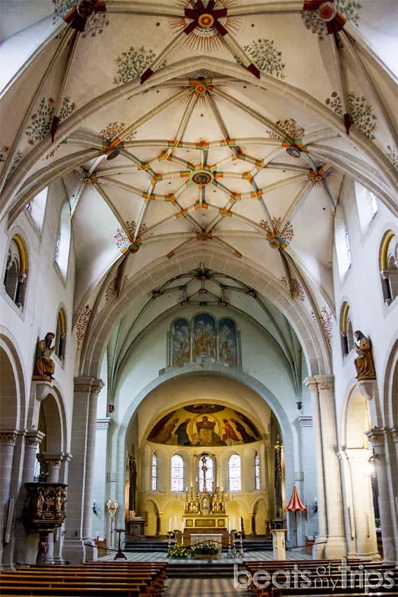 Viaje Coblenza que ver interior Basilica San Castor Koblenz río Rin desembocadura Mosela Alemania
