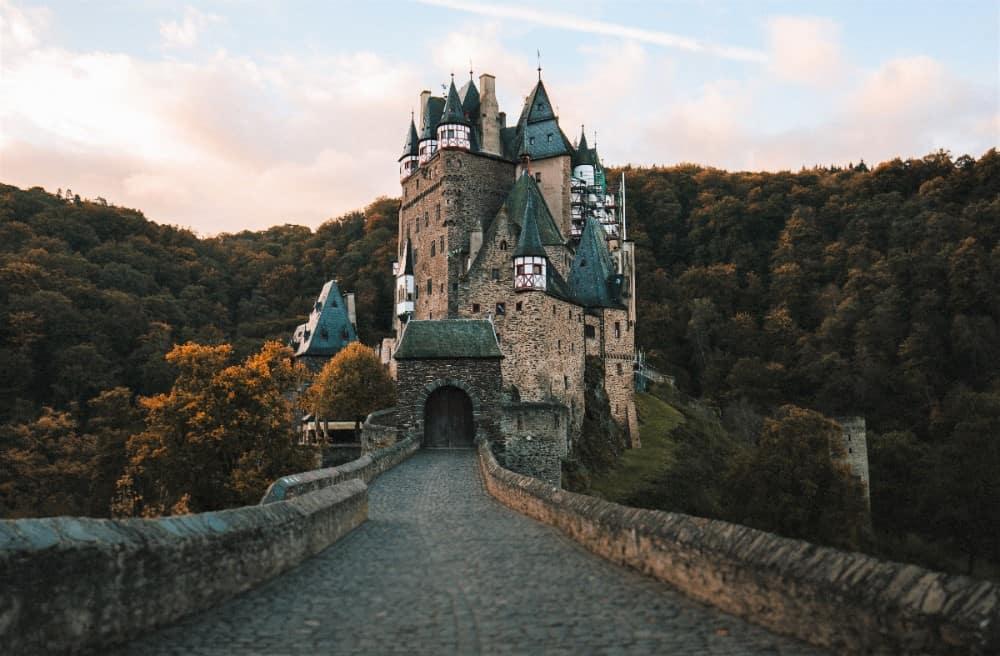 Castillo Burg Eltz Mosela Crucero Alemania VIajar Turismo vino