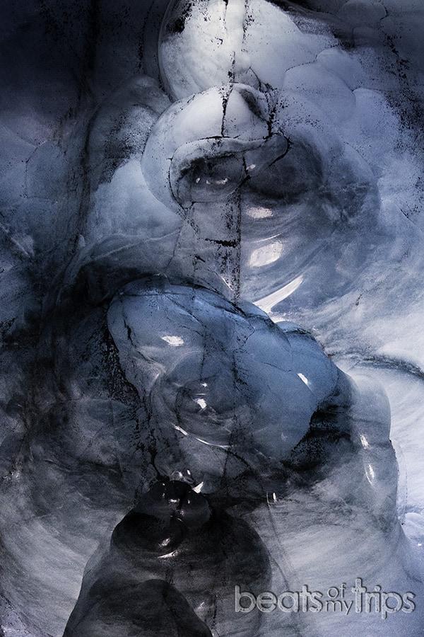 cupula cueva hielo islandia colores azul negro glaciar