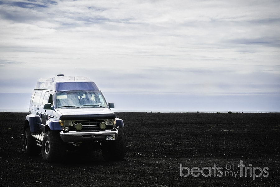 super jeep islandia tour cueva hielo playa negra vik