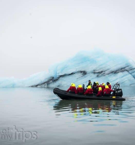Excursion zodiac jokulsarlon laguna glaciar icebergs que ver Islandia imprescindibles guia Islandia Iceland