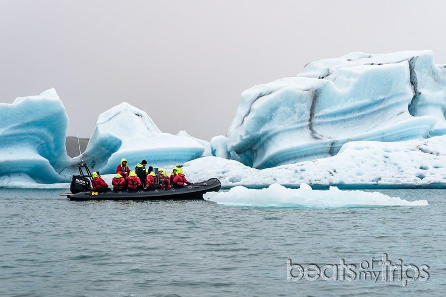 Excursion zodiac jokulsarlon laguna glaciar icebergs Breiðamerkurjökull Vatnajokull que ver Islandia imprescindibles guia Islandia Iceland