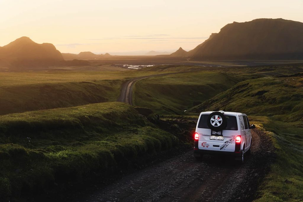 campevan camper furgoneta islandia viajar verano cuando mejor época