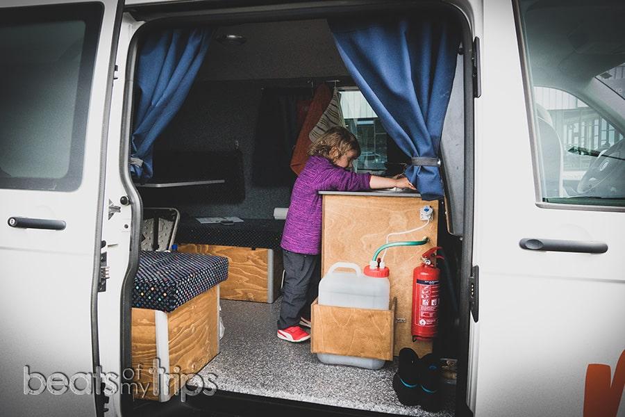 autocaravana Islandia campervan que camper alquilar grifo agua