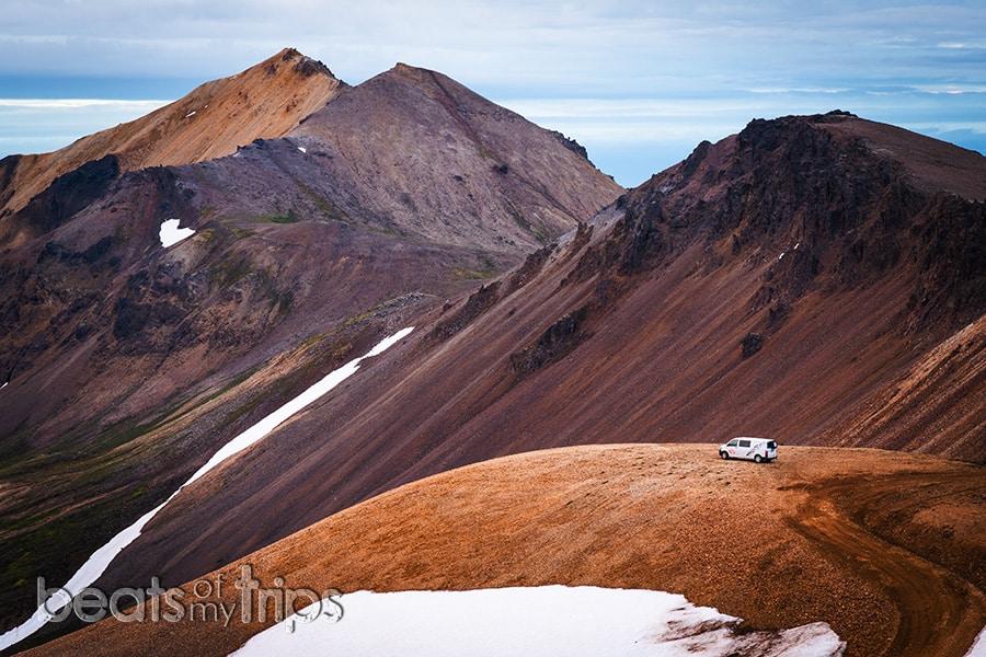 camper Islandia montañas riolita qué ver en Islandia
