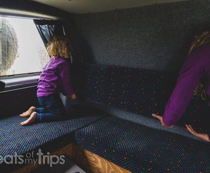 Autocaravana como es interior campervan alquilar camper Islandia