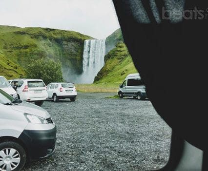camping Skogafoss camper Islandia viajar en autocaravana Islandia