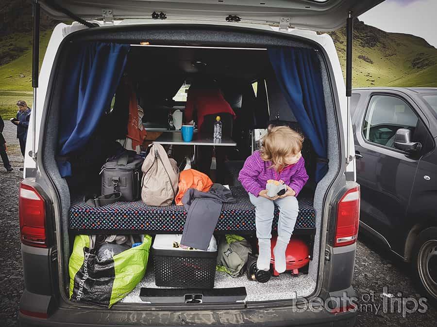 organizacion camper como es campervan por dentro alquilar furgoneta Islandia