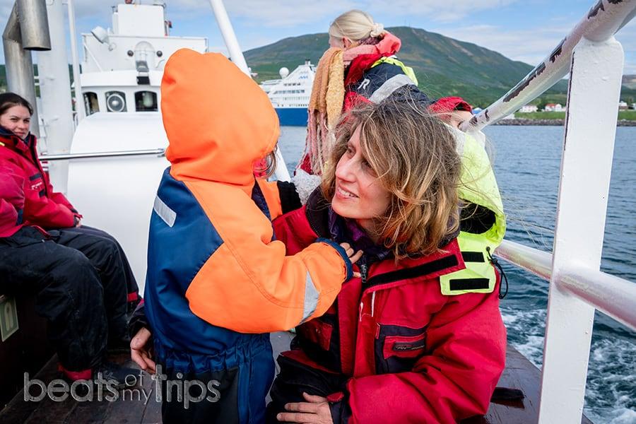 Islandia que ver ballenas como es barco tradicional islandes