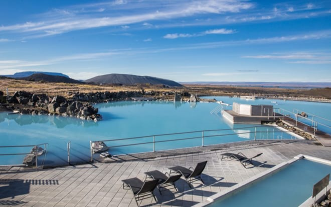 Baños termales Myvatn Nature Baths Islandia piscina azul cráter Hverfjal