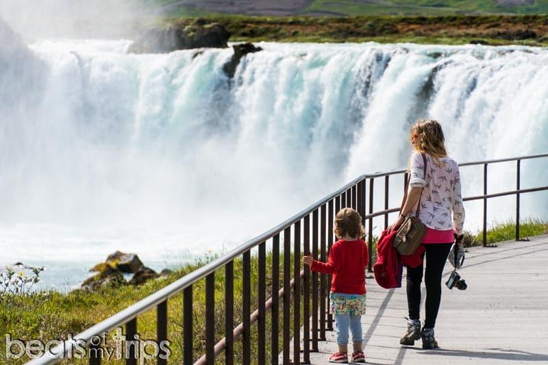 Accesos cascada Goðafoss islandia