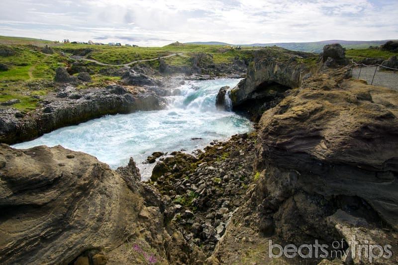 Cascada Geitafoss cerca de Godafoss Islandia